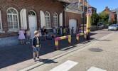 Verkeer: Oefenen om de straat op een veilige manier over te steken.